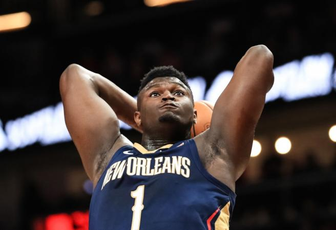 WATCH: Zion Williamson sends statements to the rest of the NBA with dominant performance